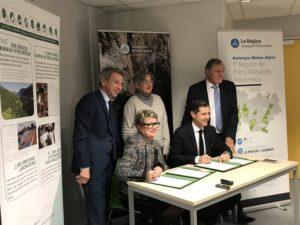 Partenariat entre Auvergne-Rhône-Alpes Tourisme et l'Association des Parcs naturels régionaux d'Auvergne-Rhône-Alpes