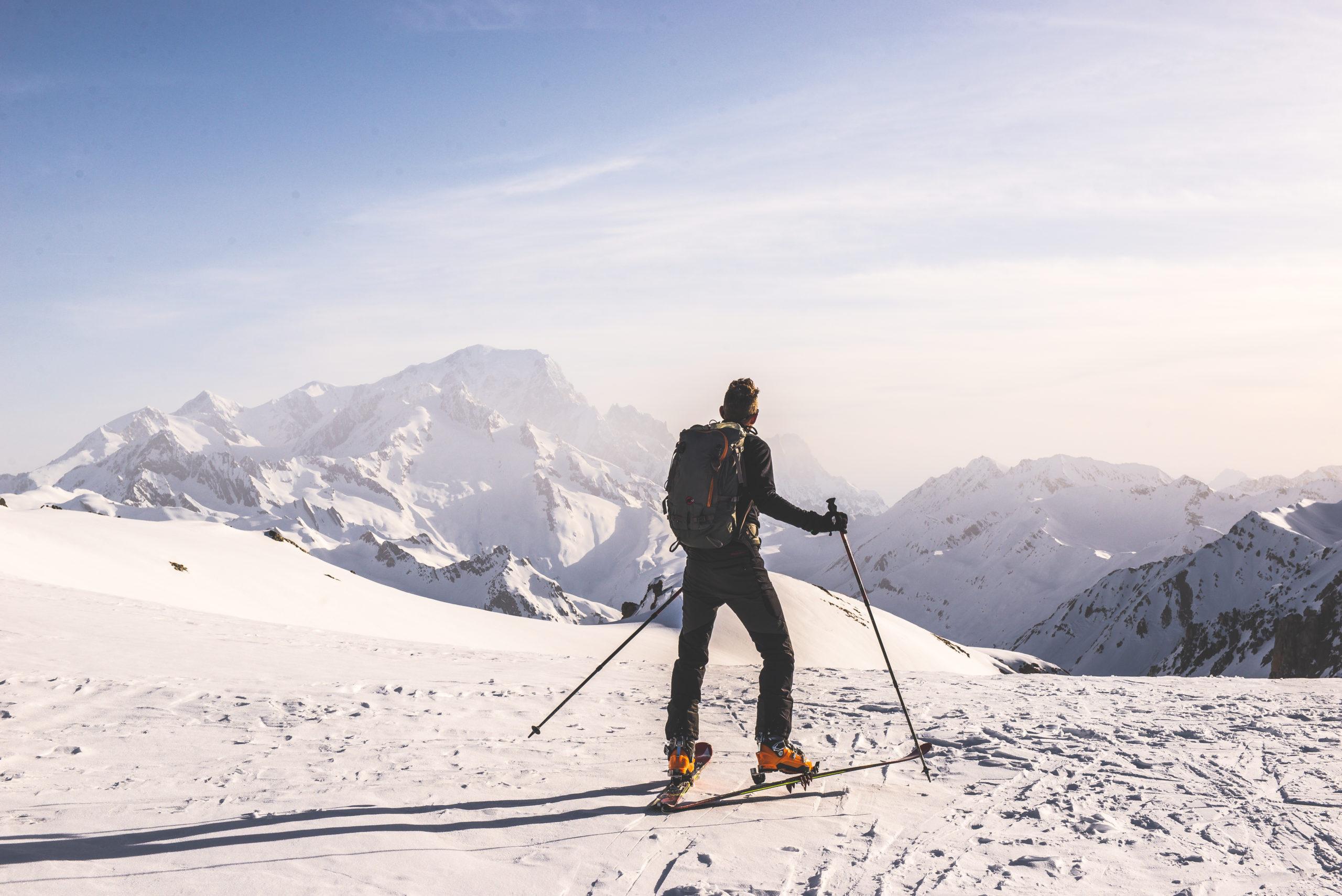 © P.Thiaville-Beaufortain et vue du Mont blanc