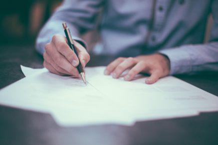 signature-documents-libre-de-droits-scott-graham